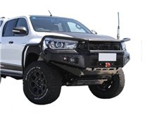 [54.TV3 81] BUMPER WITH WINCH BASE + GRILL TOY. ROCCO 2020